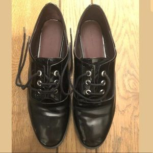 Zara shiny black patent oxford flats 39 Us 9 shoes